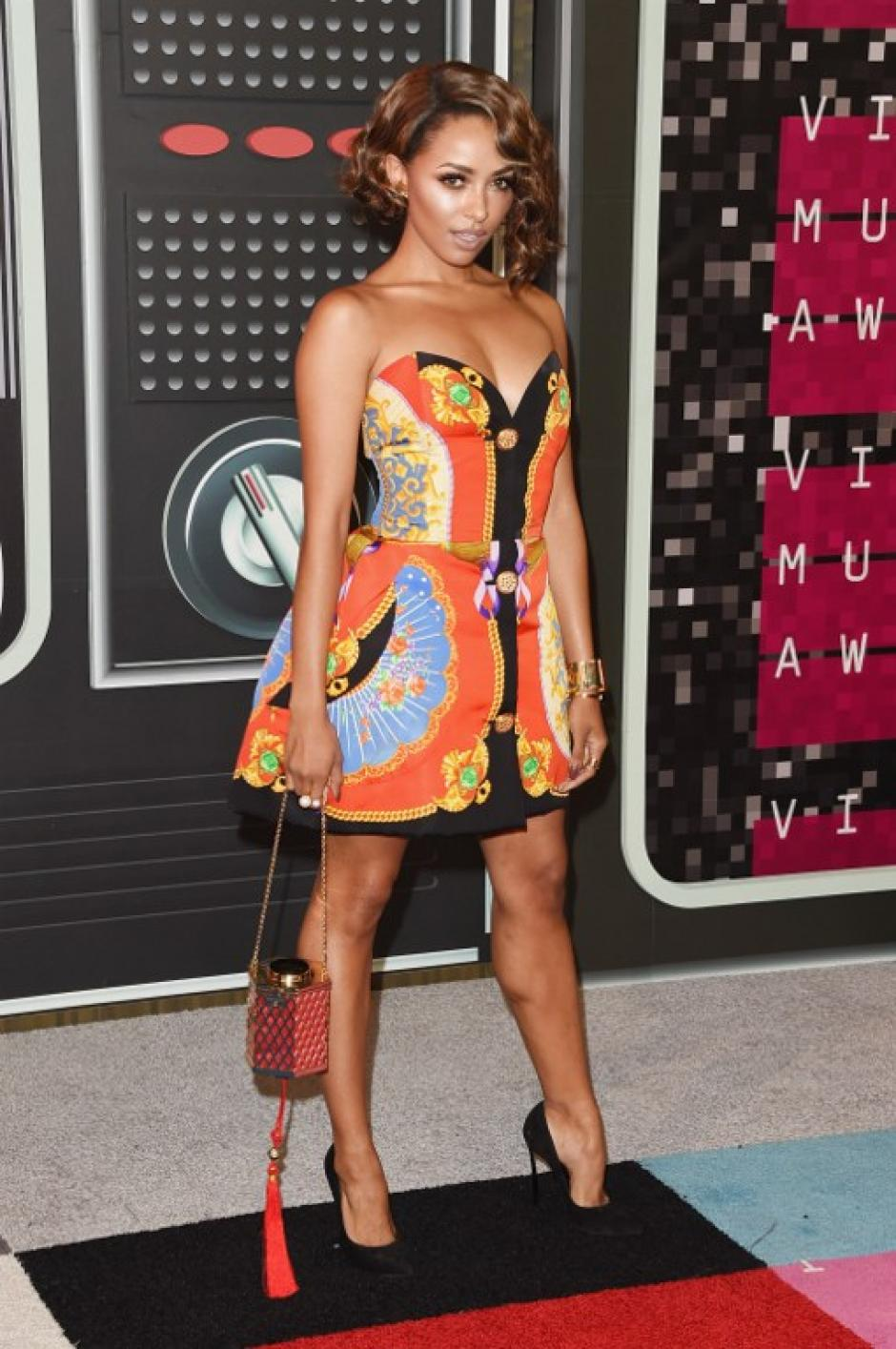 La actriz Kat Graham asiste a los 2015 MTV Video Music Awards. (Foto: AFP)