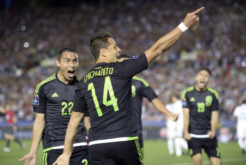 """Javier """"Chicharito"""" Hernández anotó el gol de la apertura ante Estados Unidos. (Foto: AFP)"""