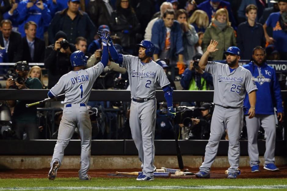 Los Reales derrotaron 4-1 a los Mets en la Serie Mundial de las Grandes Ligas