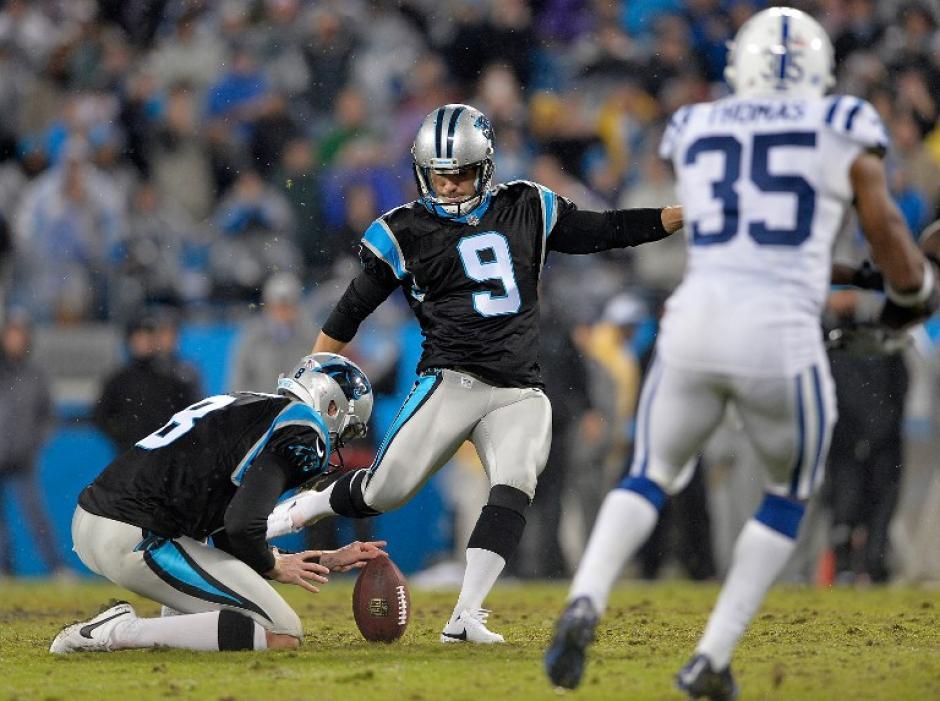 Graham Gano guió a los Panthers, que están invictos, a la victoria ante los Colts