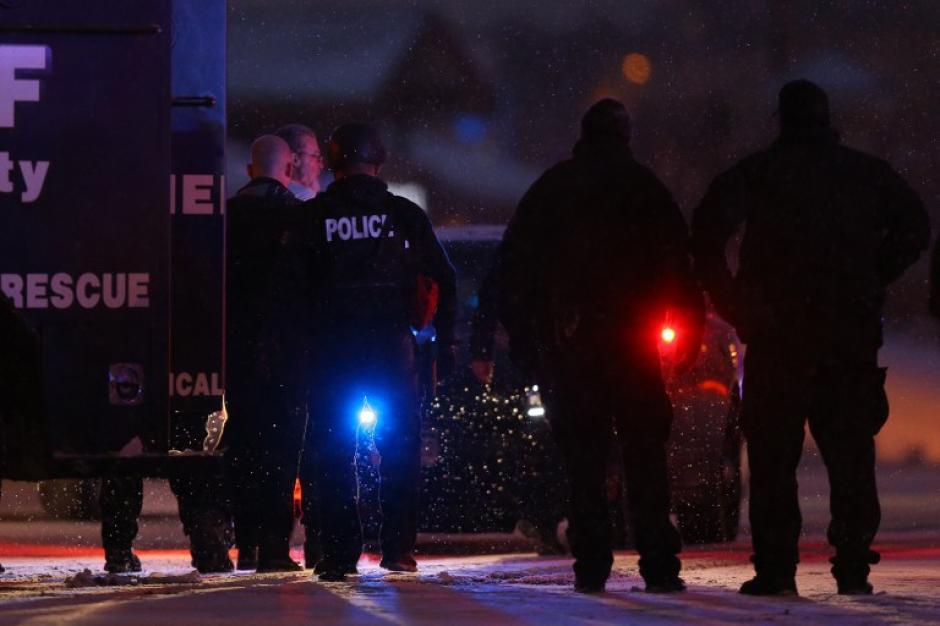Un sospechoso fue detenido por la policía de Colorado Springs luego de un prolongado tiroteo. (Foto: AFP)