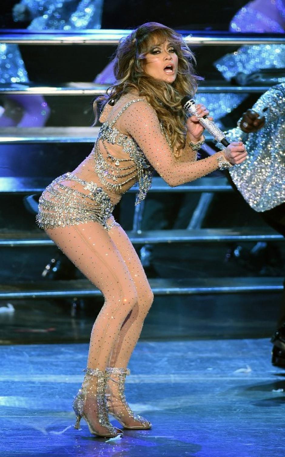La noche fue todo un éxito para la cantante, que tuvo entre sus invitados de lujo a otros artistas.(Foto: AFP)