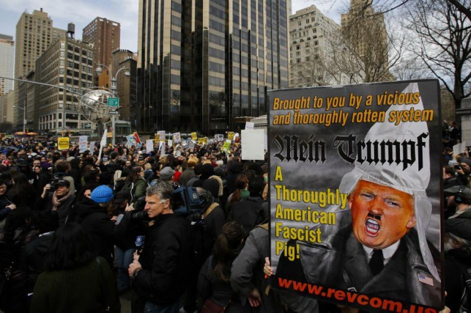 Donald Trump a ganado la antipatia hispana, esto a llevado a los latinos residentes de New York tomar las calles. (Foto: AFP//KENA BETANCUR)
