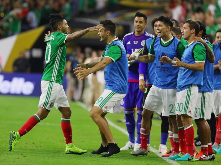 """El """"Tecatito"""" anotó un impresionante gol ante Venezuela. (Foto: AFP)"""