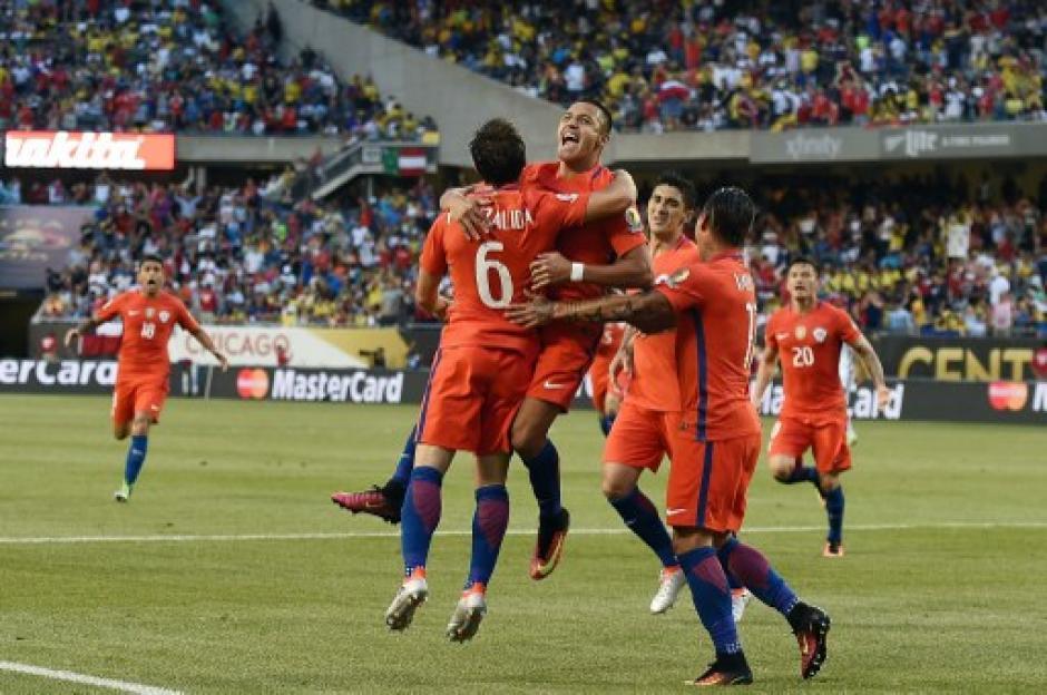 Chile dejó en el camino a Colombia y jugará la final de la Copa América Centenario ante Argentina. (Foto: AFP)