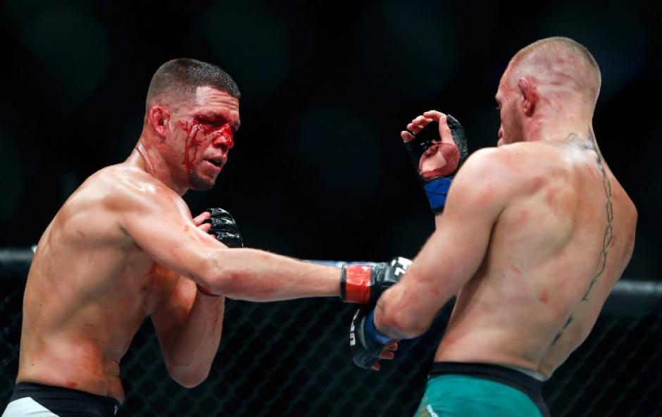 Díaz y McGregor demostraron su poderío en una noche épica para la UFC. (Foto: AFP)