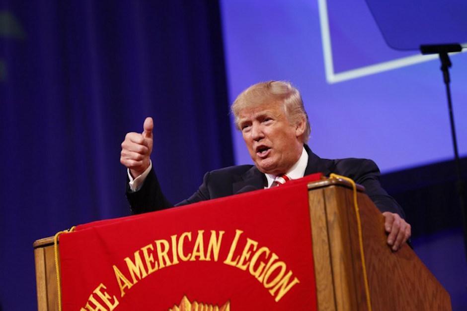 Donald Trump supera por primera vez a Hillary Clinton en las encuestas. (Foto: AFP)