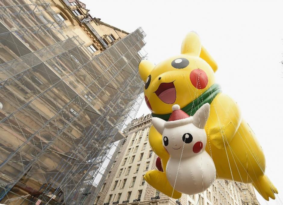 Pikachu fue uno de los globos que más atrajo la atención de los pequeños. (Foto: AFP)
