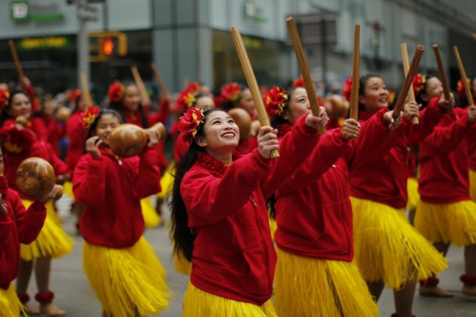 Varios grupos coreógrafos animaron a la concurrencia. (Foto: AFP)