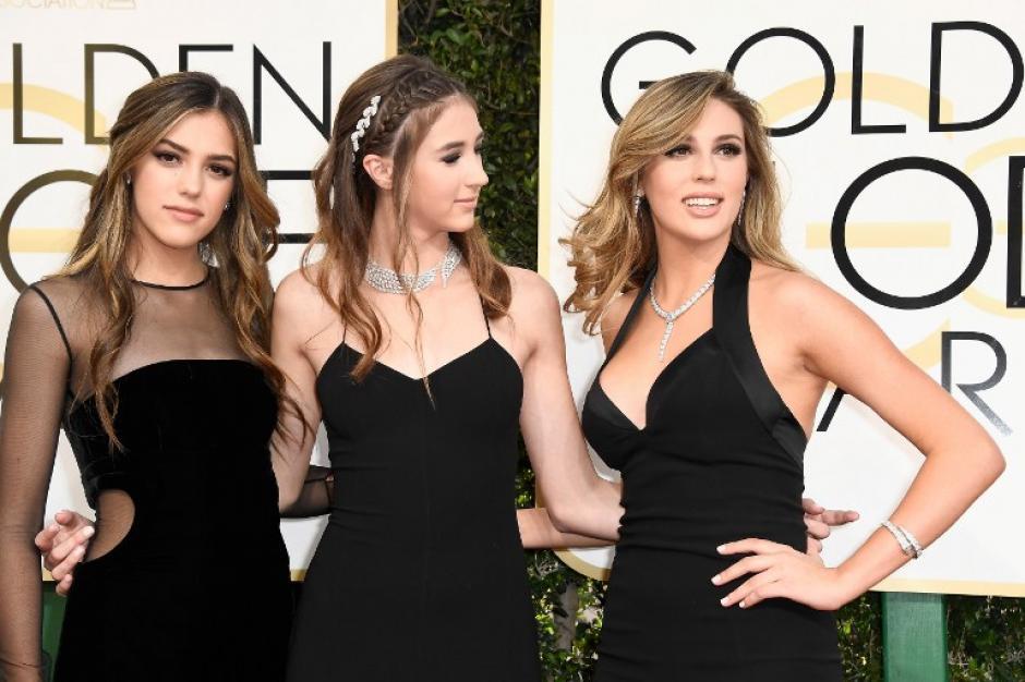 Las hermosas muchachas deslumbraron en la ceremonia. (Foto: AFP)
