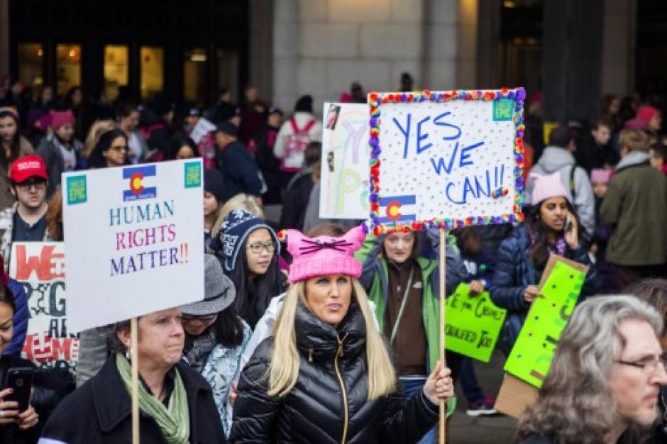 La manifestación se realiza un día después que Trump asumiera el poder. (Foto: AFP)