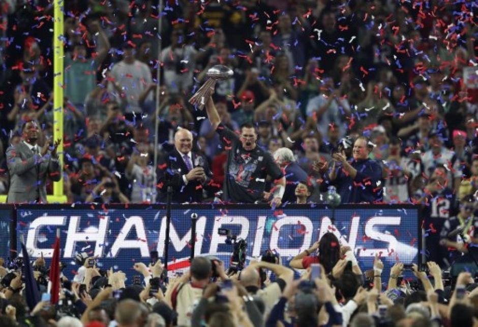 Los Patriotas vinieron de atrás y se coronaron ante los Halcones. (Foto: AFP)