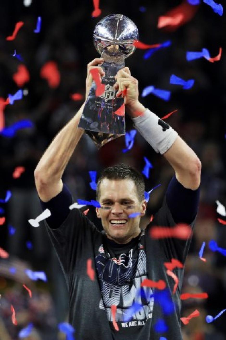 Brady celebró el campeonato conseguido con los Patriotas. (Foto: AFP)