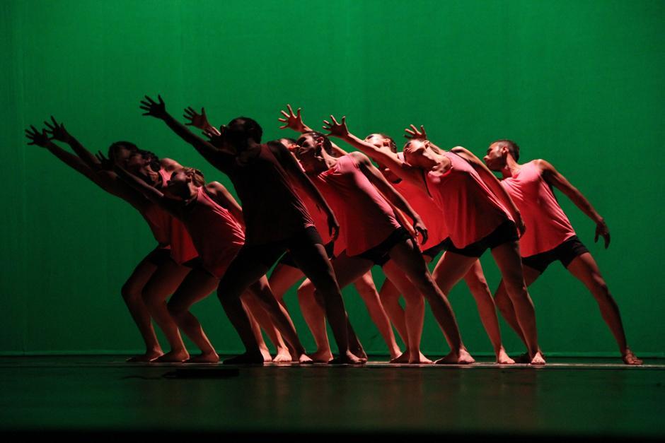 """La pieza músical """"Requiem for a Dream"""" fue utilizada por la compañía Stroke Urbano para presentar un baile repleto de erotismo (Foto: Alexis Batres/Soy502)"""