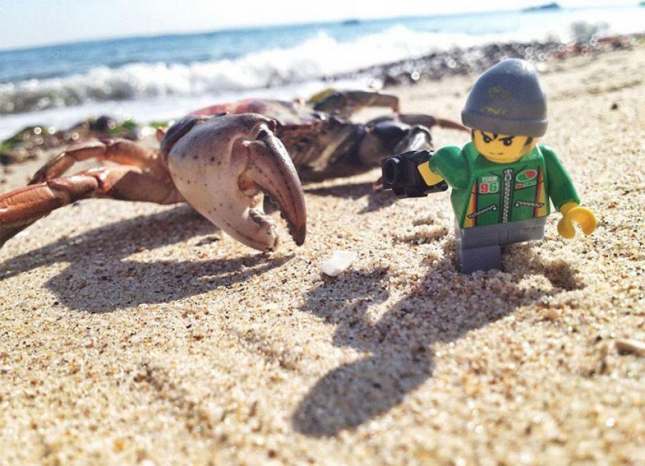El Legógrafo en un día de playa. (Foto: Andrew Whyte)