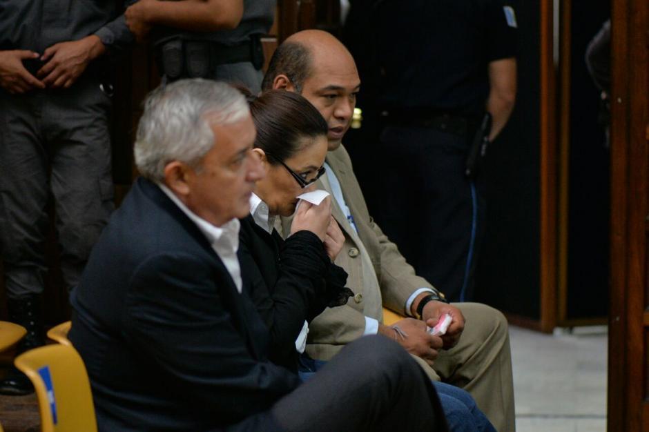 El exmandatario Otto Pérez Molina y la exvicepresidenta Roxana Baldetti durante audiencia por el caso Cooptación del Estado. (Foto: Wilder López/Soy502)
