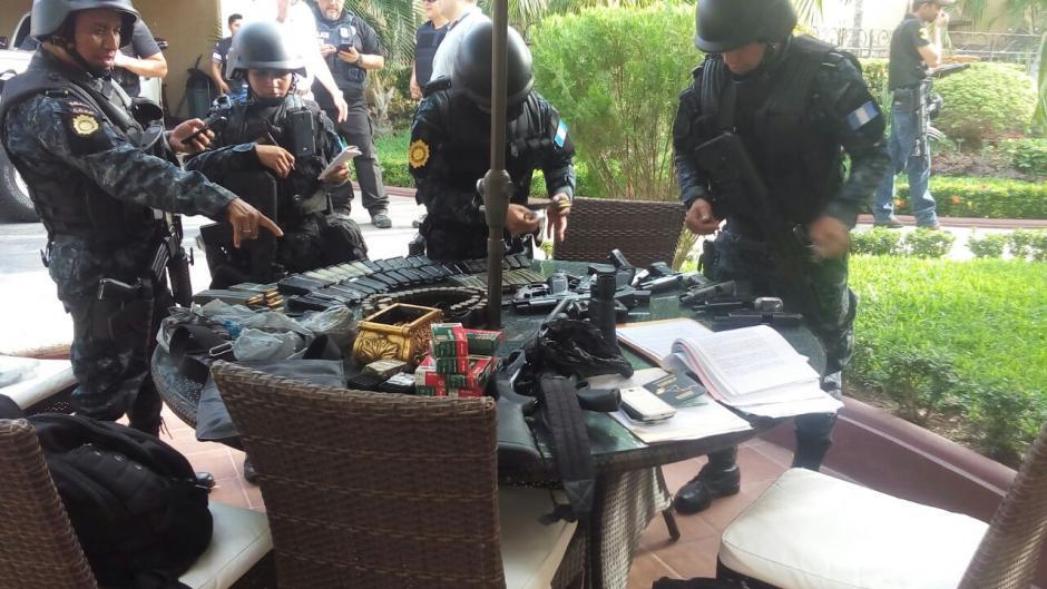 Durante las diligencias han sido incautadas varias armas de fuego. (Foto: PNC)