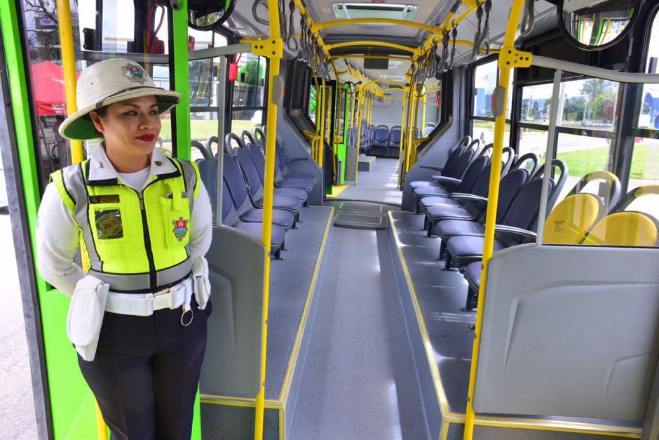 Las nuevas unidades de Transmetro fueron presentadas en la Plaza Obelisco. (Foto: Jesús Alfonso/Soy502)