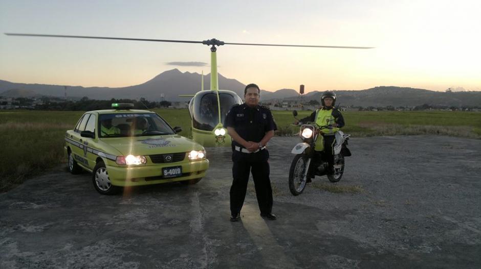Amílcar Montejo es el intendente del tránsito en la ciudad de Guatemala y se ha hecho famoso por sus tuits. (Foto: Facebook Amilcar Montejo)