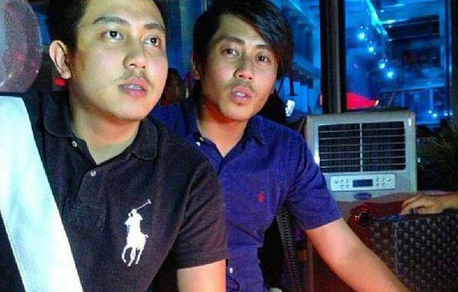 Fariq Ab Hamid (a la izquierda) el día que cumplió 25 años de edad en 2012. (Foto: Fariq Ab Hamid/Facebook)