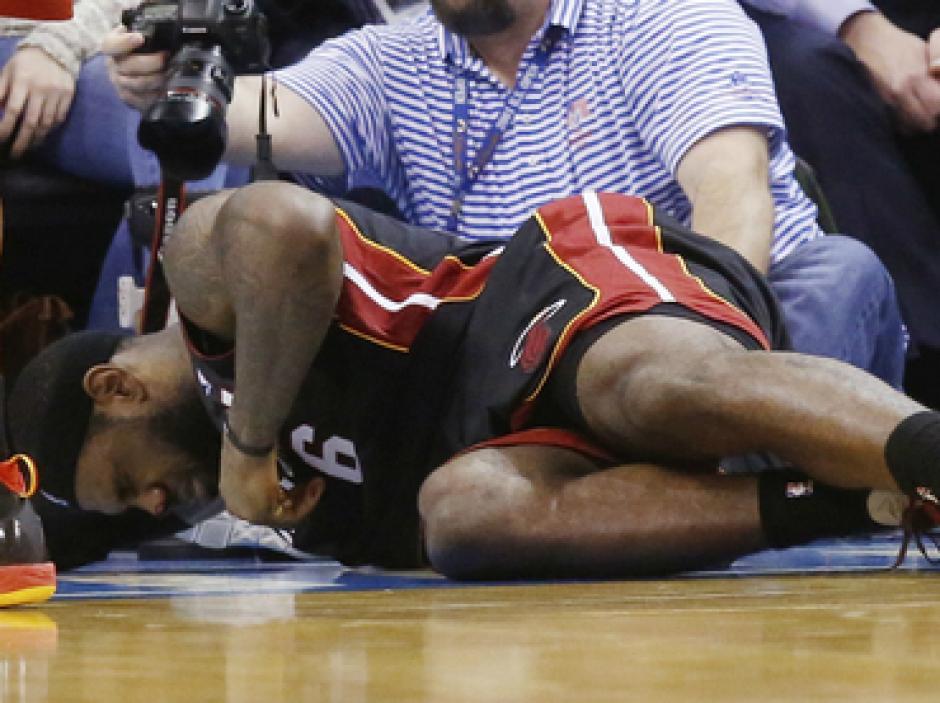 LeBron James fractura de naris
