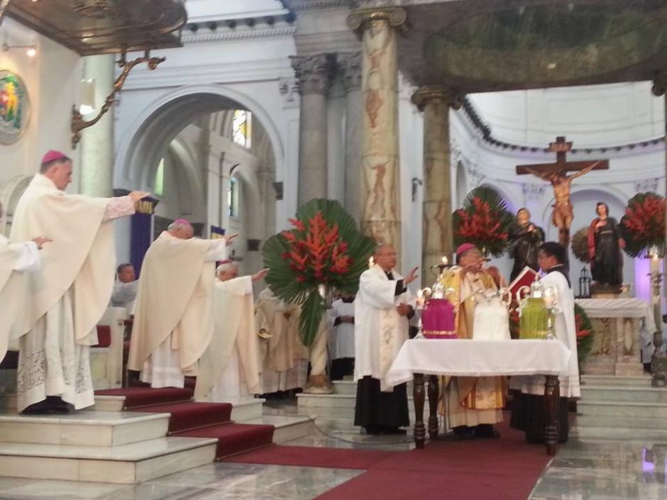 En la misa crismal participan sacerdotes de todas las diócesis del país. (Foto: Radio Estrella)