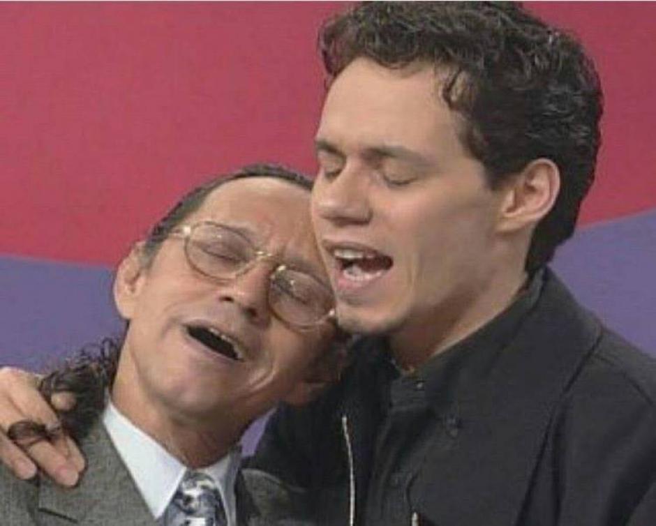 En los inicios de su carrera, el cantante fue sorprendido en algunos programas televisivos con la aparición de su padre. (Foto Facebook/Don Felipe Muñiz)