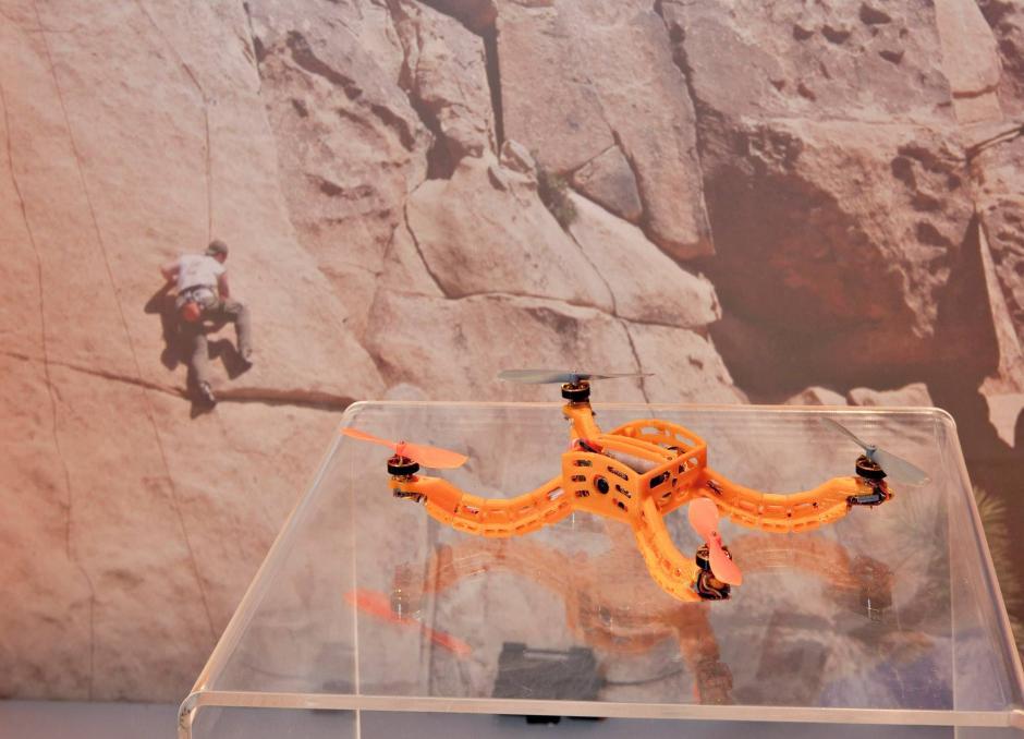 Nixie encuentra su camino utilizando algoritmos de predicción de movimiento y sensores. (Foto: facebook/flynixie)