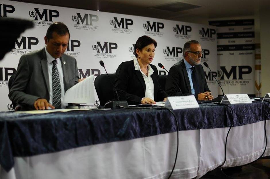 Los tres funcionarios detallaron cómo operó la estructura que concretó el supuesto fraude. (Foto: Alejandro Balán/Soy502)