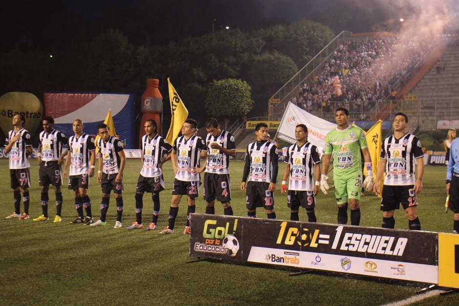 Heredia llegó al estadio Cementos Progreso con la ventaja. (Foto: José Dávila)