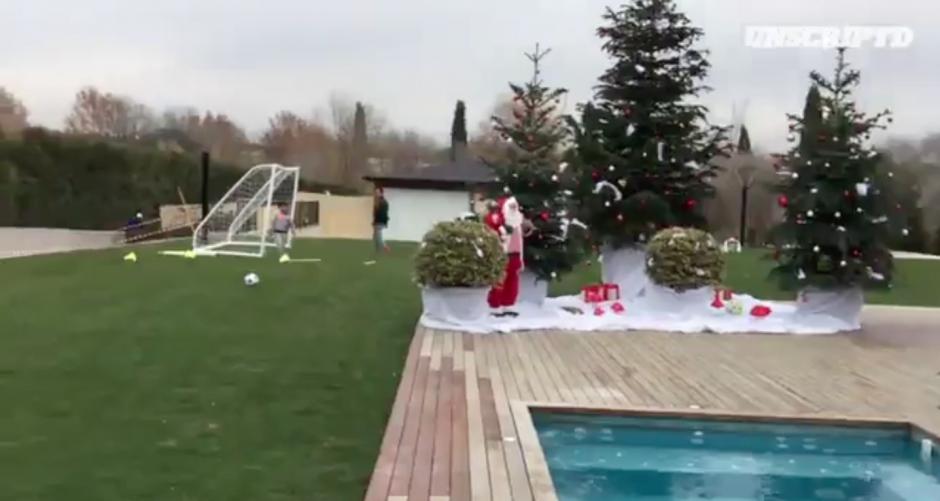 El espíritu navideño invadió la casa de Cristiano Ronaldo. (Imagen: Captura de pantalla Twitter)