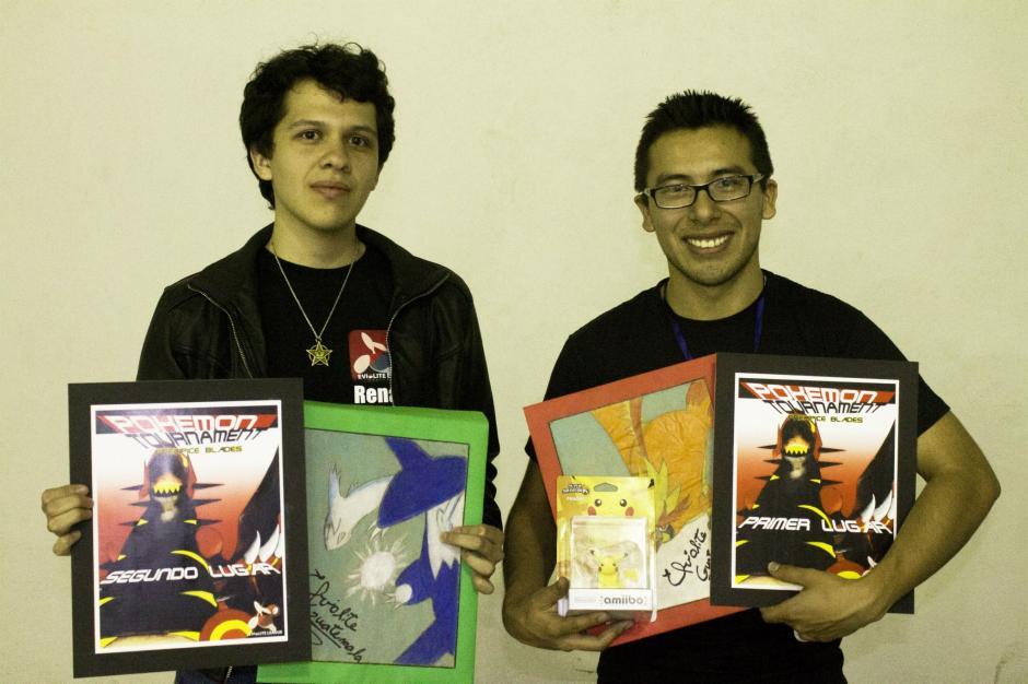 Pablo Godoy, a la derecha, es un jugador Pokémon reconocido por The Pokémon Company. (Foto: Pablo Godoy)
