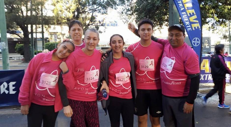 Patty Rivera, junto a su familia, en la Carrera Avon Contra el Cáncer. (Foto: Patty Rivera)