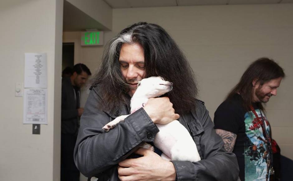 "Alex Skolnick de Testament se enamoró de ""Love Stuff"". (Foto: MOtley Zoo Animal Rescue)"