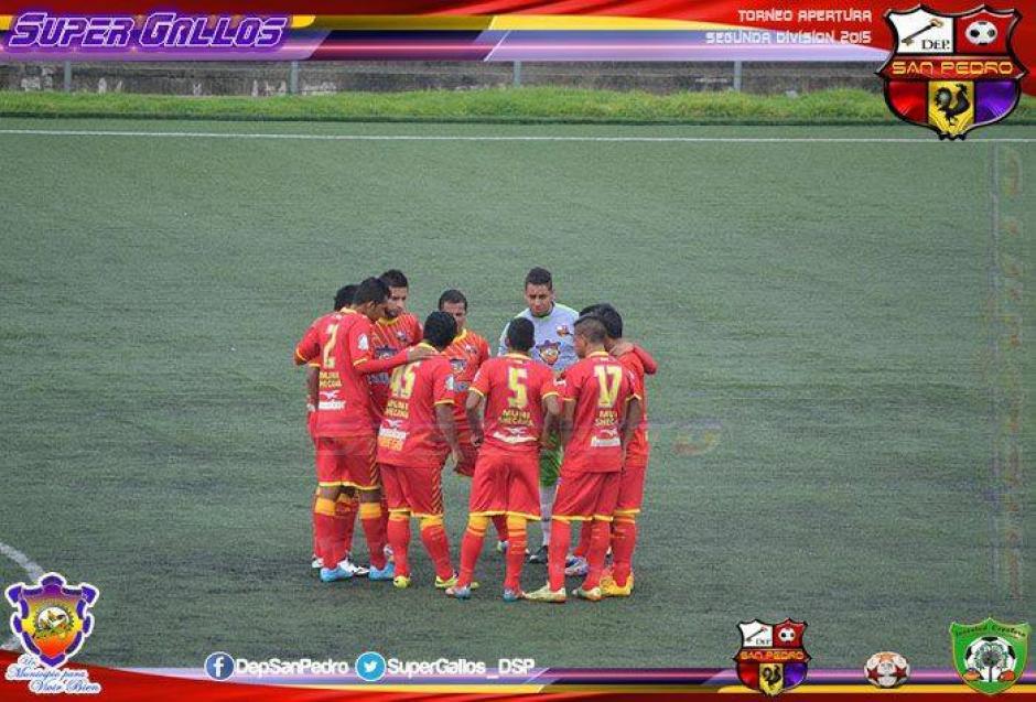 Rodrigo Mateo aparece con el número 17 en la camisola en el equipo de San Pedro, San Marcos. (Foto: Facebook)
