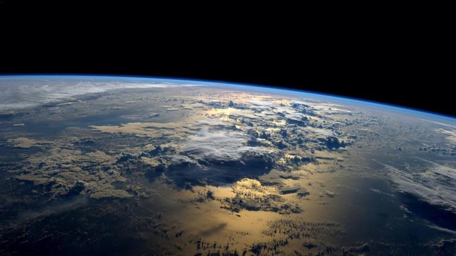 Fotografía cedida por la NASA de una vista del planeta Tierra tomada por el astronauta estadounidense Gregory Reid Wiseman desde la Estación Espacial Internacional el pasado martes. (Foto: EFE/Archivo)