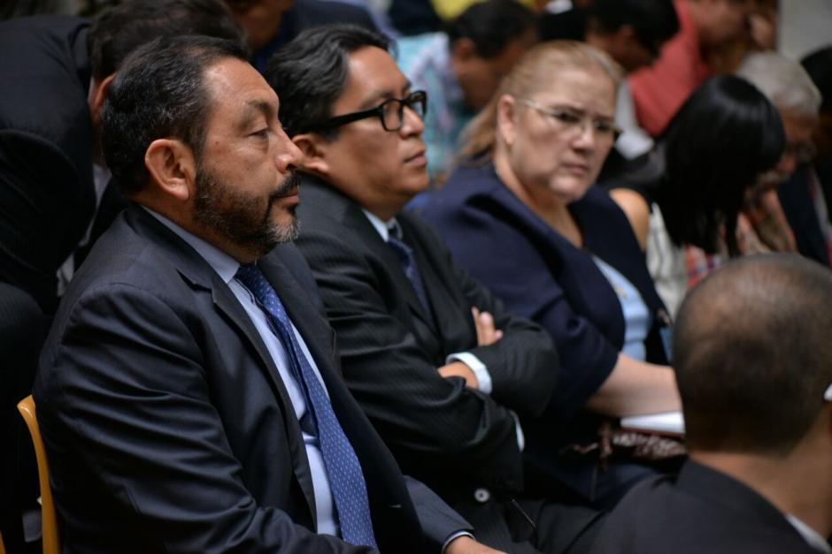 El exministro de Gobernación, Mauricio López, también se prepara para solicitar las medidas sustitutivas. (Foto: Wilder López/soy502)