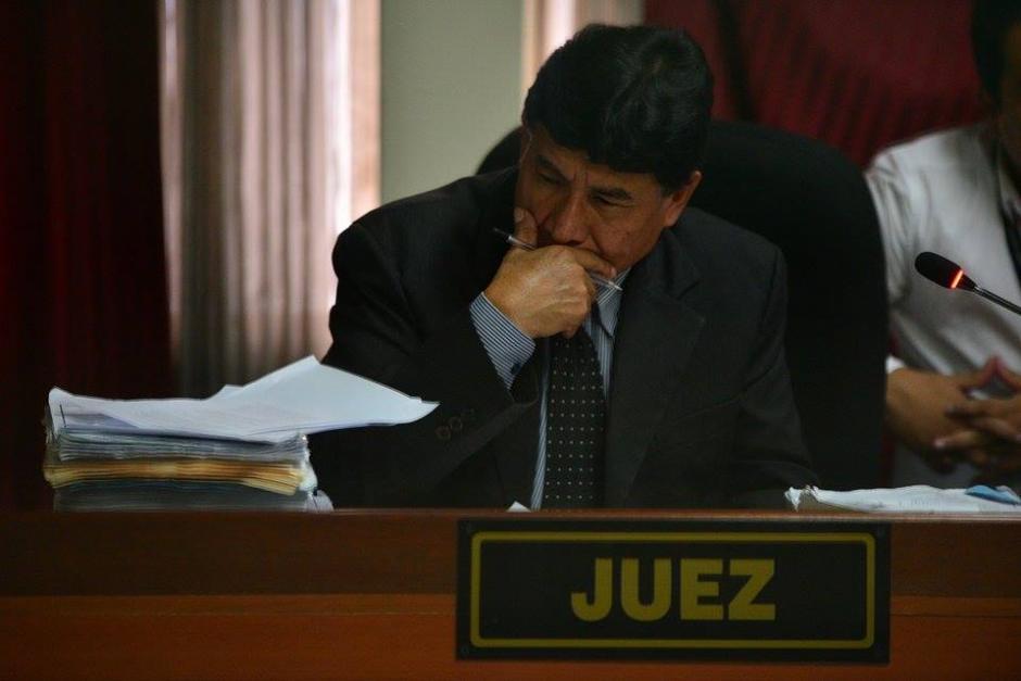 El juez José Eduardo Cojulum, en la audiencia de primera declaración de Jisela Reinoso. (Foto: Wilder López/Soy502)
