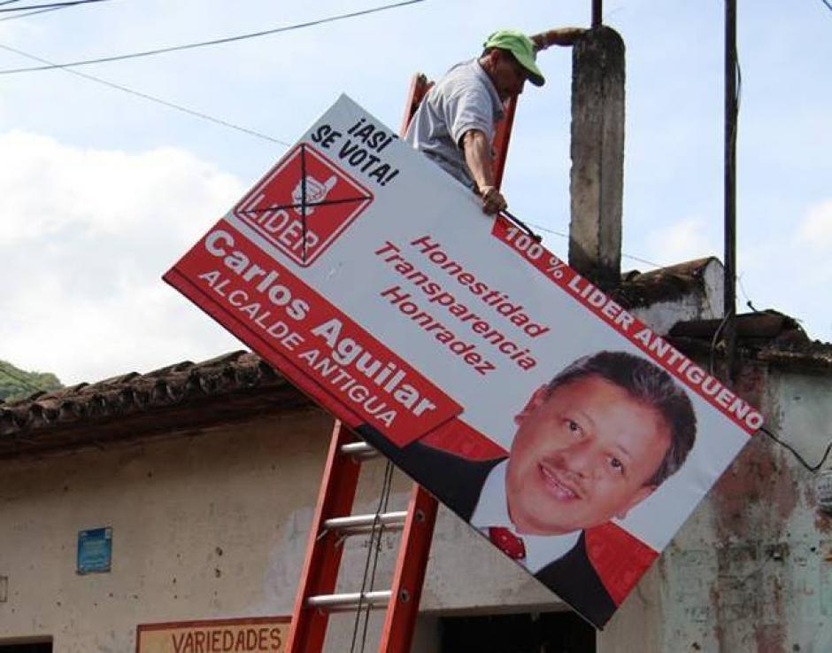 La propaganda de diversos partidos políticos fue eliminada de las calles de Antigua Guatemala.(Foto: Facebook: CNPAG)