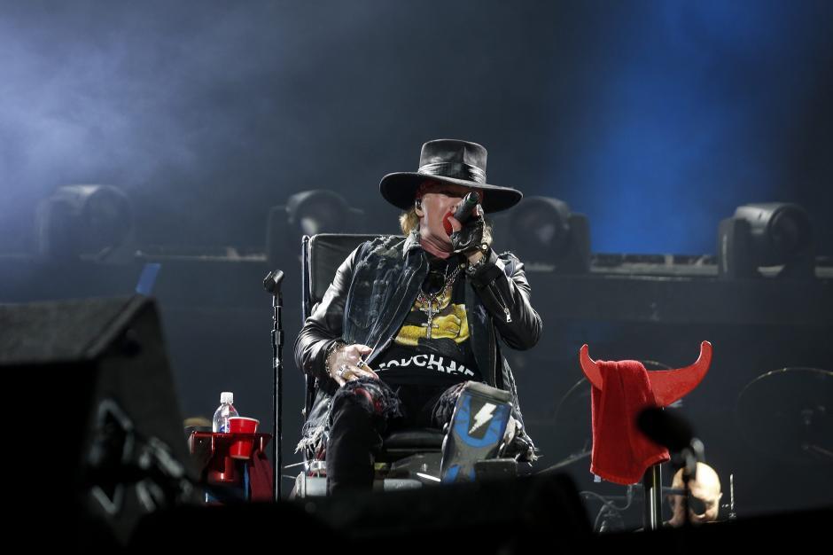 La prensa portuguesa elogió hoy de forma unánime el debut del estadounidense Axl Rose como vocalista de AC/DC. (Foto: EFE