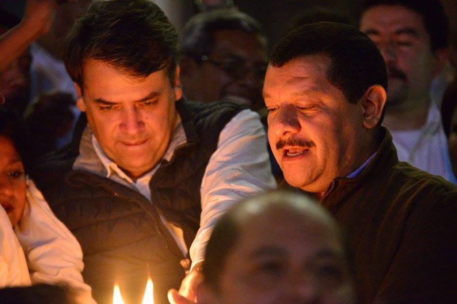 Edwin Escobar y Antonio Coro, ambos candidatos a alcalde por el partido Lider, llegaron a acuerpar a Edgar Barquín.(Foto: Wilder López/Soy502)
