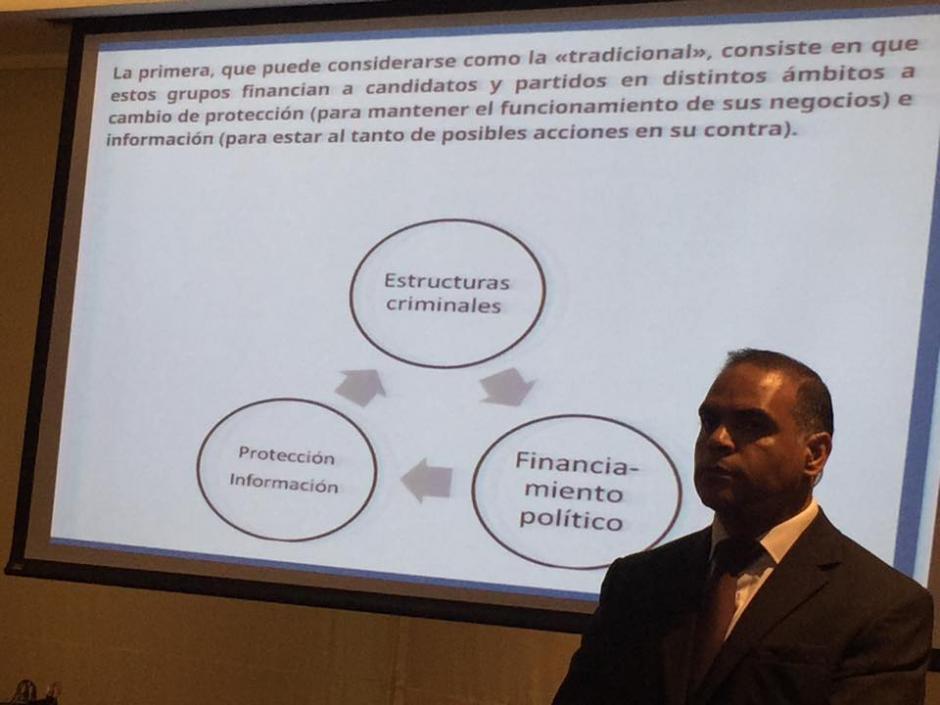 El comisionado expone las principales razones por las que los partidos políticos aceptan el financimiento a sus campañas electorales.(Foto: Jesús Alfonso/Soy502)