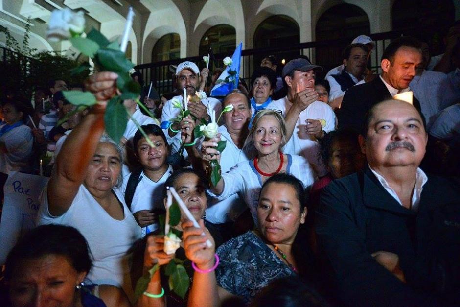 Fue evidente que las personas que llegaron a la manifestación no utilizaron ningún símbolo distintivo del partido Lider. (Foto: Wilder López/Soy502)