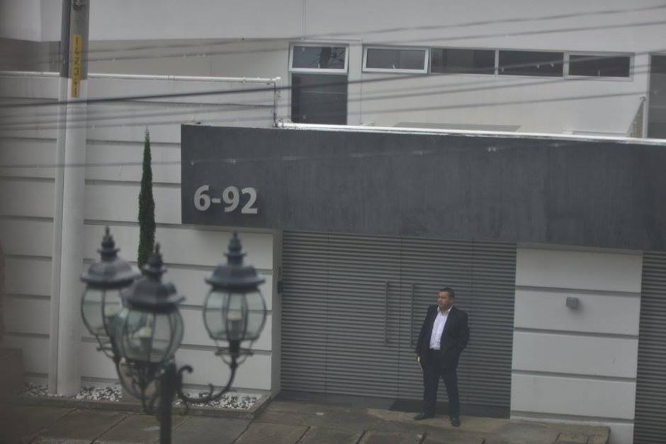 Vista de la vivienda de la exvicepresidenta Roxana Baldetti en el residencial Los Eucaliptos, carretera a El Salvador, que fue allanada por fiscales del MP y agentes de PNC. (Foto: Wilder López/Soy502)