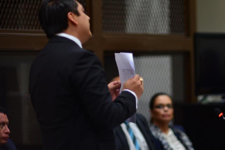 El abogado Mario Cano presentó sus argumentos ante la acusación de la exvicepresidenta Roxana Baldetti. (Foto: Jesús Alfonso/Soy502)