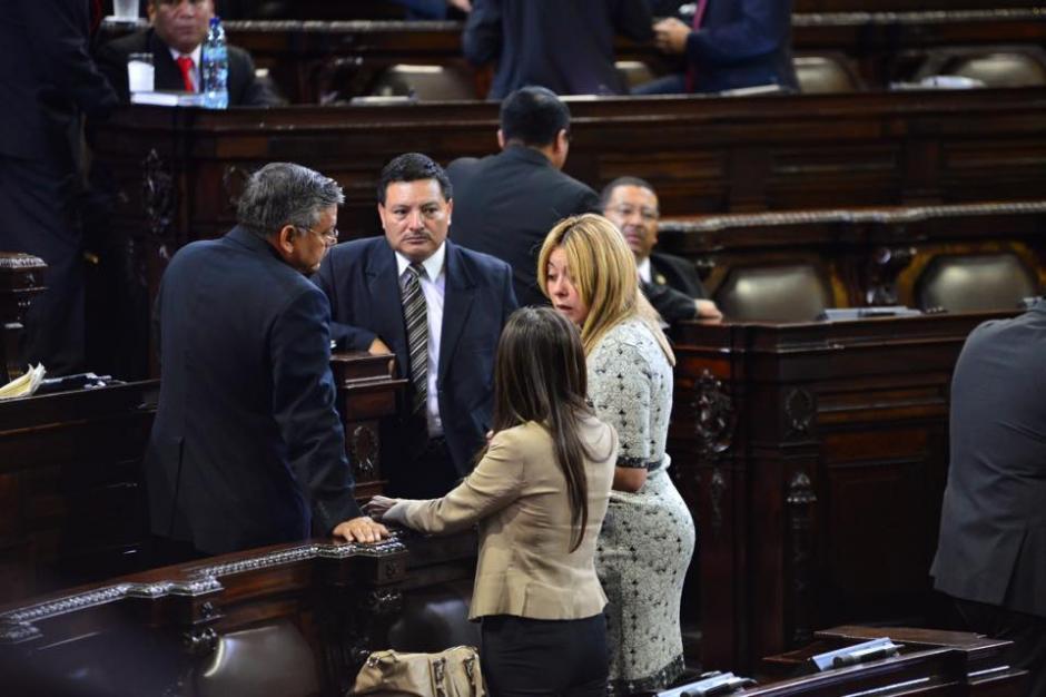 La diputada Emilenne Mazariegos, de la bancada Patriota, asiste al Congreso de la República para la sesión plenaria. (Foto: Jesús Alfonso/ Soy502)