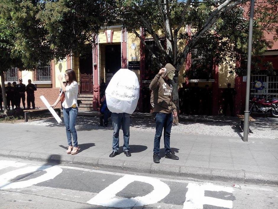 El total de huevos recaudados en el TSE serán donados a un hogar de adultos mayores. (Foto: Alejandro Balan/Soy502)
