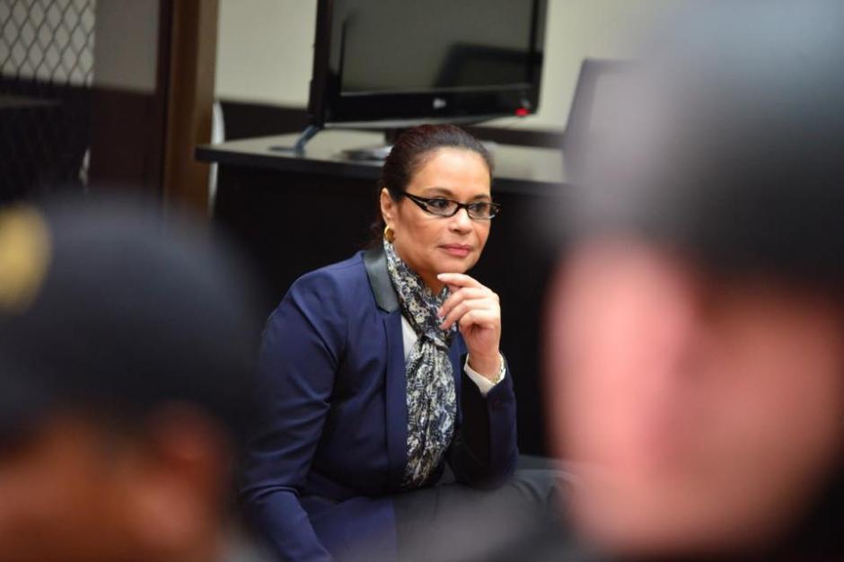 Roxana Baldetti espera que inicie la audiencia de primera declaración durante su segundo día. (Foto: Jesús Alfonso/Soy502)