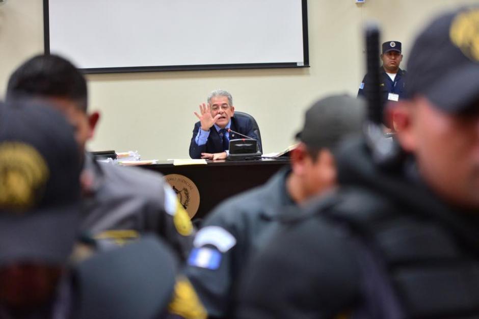 """El juez de Mayor Riesgo """"B"""", Miguel Ángel Gálvez, durante el segundo día de audiencia de primera declaración de la exvicepresidenta Roxana Baldetti. (Foto: Jesús Alfonso/Soy502)"""