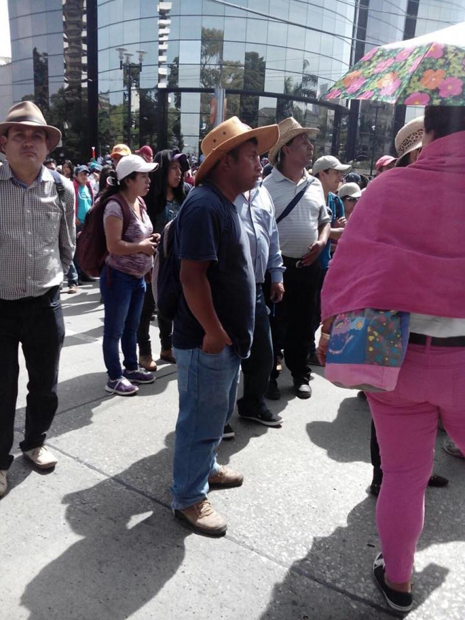 Los maestros exigen que se respete la Institucionalidad y que se lleven a cabo las elecciones el próximo 6 de septiembre. (Foto: Alejandro Balan/ Soy502)